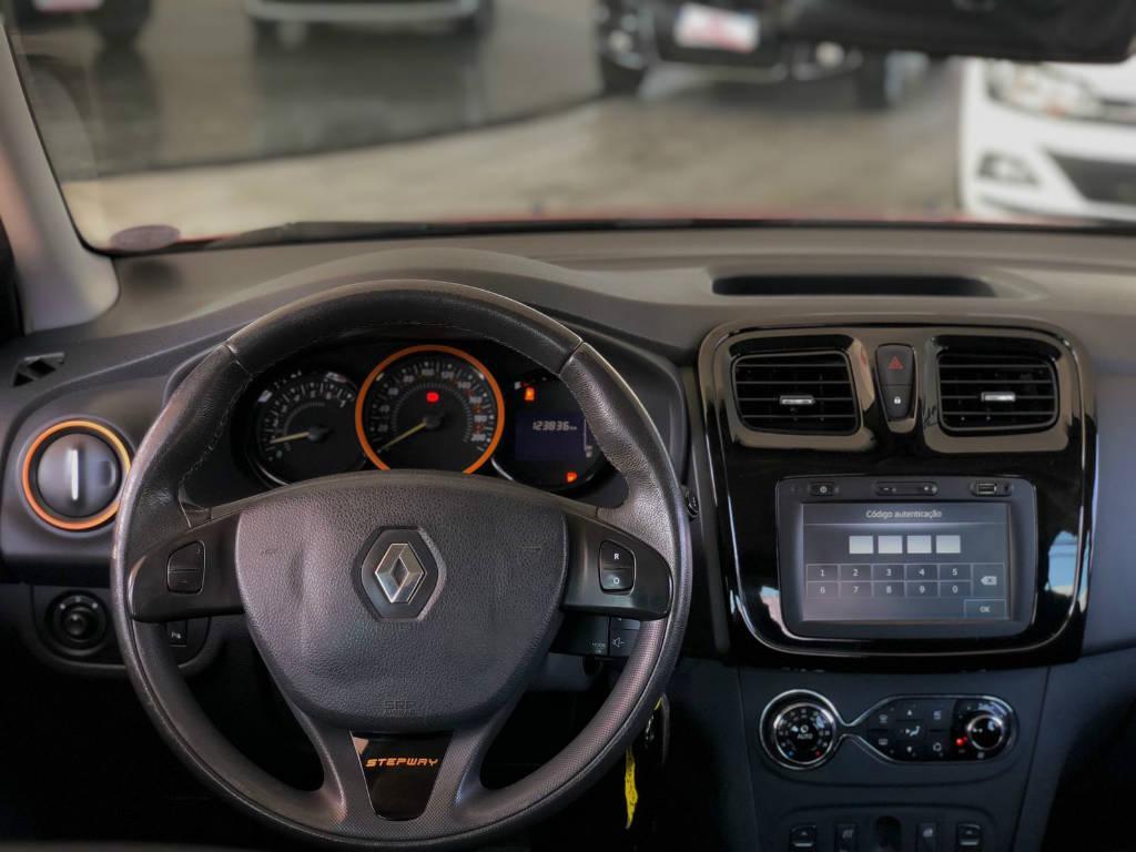 Foto numero 8 do veiculo Renault Sandero STEPWAY 1.6 - Vermelha - 2014/2015