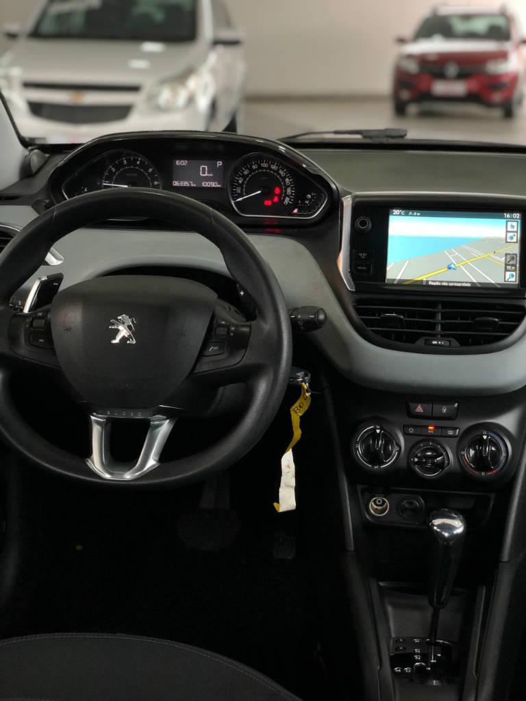 Foto numero 8 do veiculo Peugeot 208 ACTIVE PACK BVA - Prata - 2014/2015