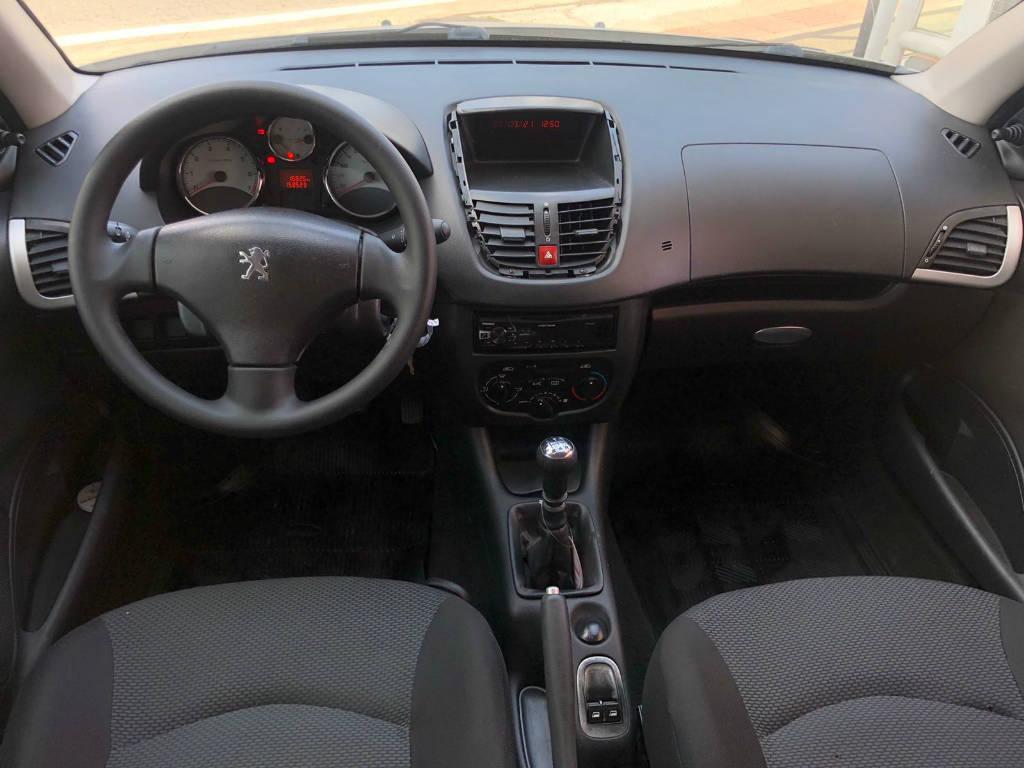 Foto numero 6 do veiculo Peugeot 207 207 HB XR - Branca - 2011/2012