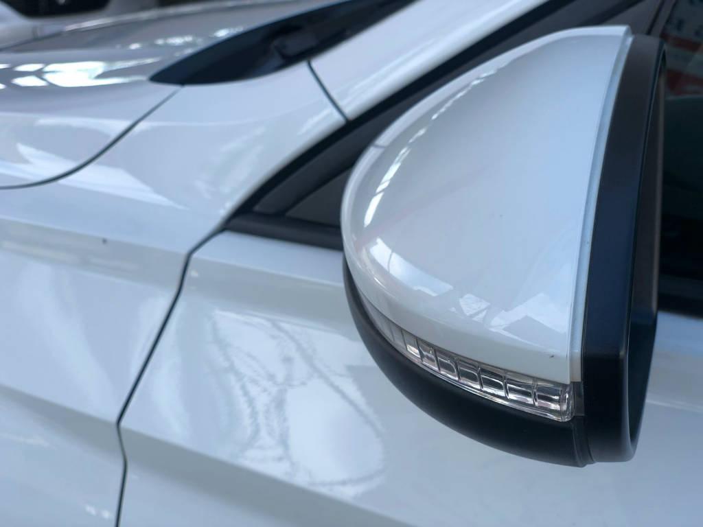 Foto numero 7 do veiculo Volkswagen Jetta 250TSI - Branca - 2018/2019