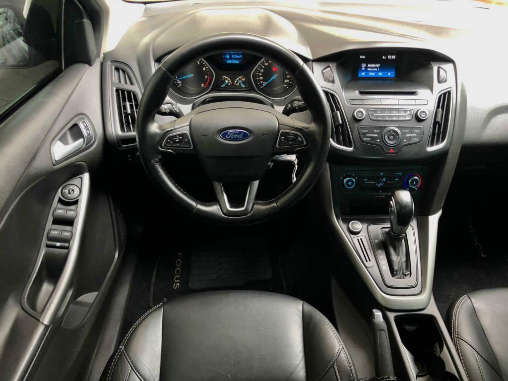 Foto numero 8 do veiculo Ford Focus FOCUS SE AT 2.0SC - Preta - 2017/2017